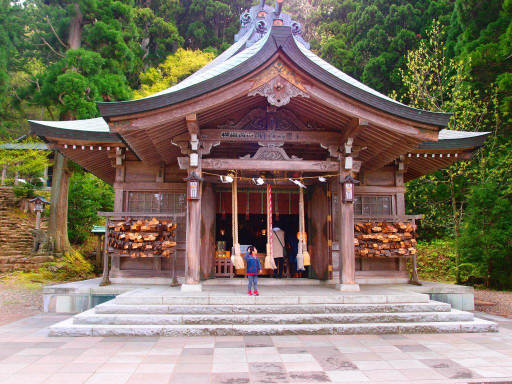 男鹿の真山神社