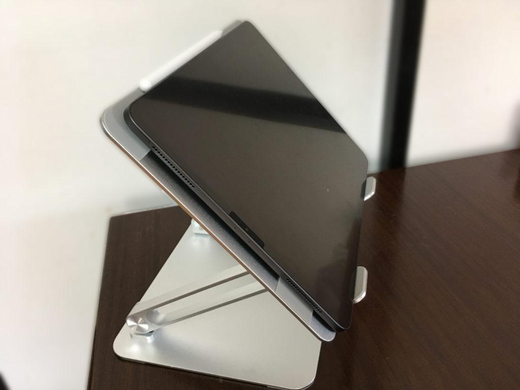 BoYataノートパソコンスタンドとiPad pro12.9インチ